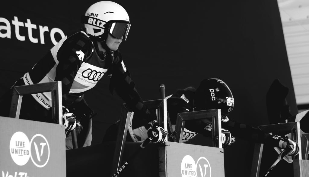 Marielle Thompson au start de la course à val thorens pour la coupe du monde de ski cross en 2016