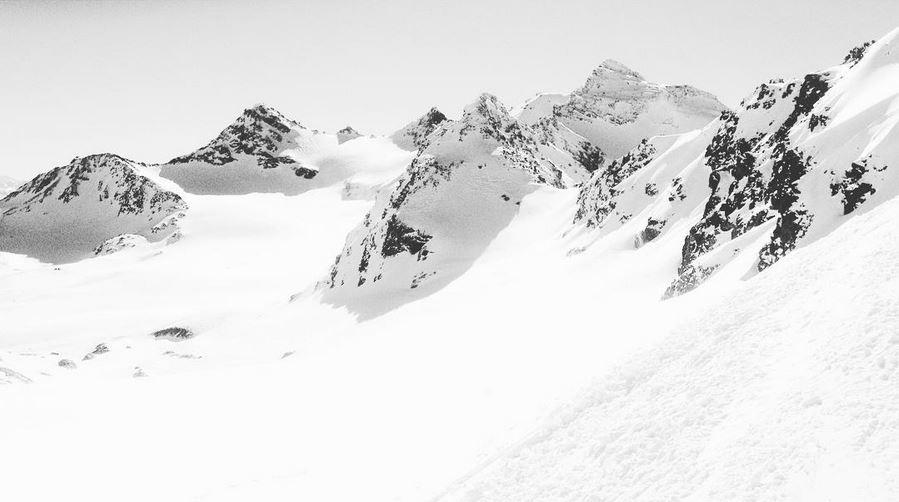 haute montagne à Val Thorens neige blanc pure